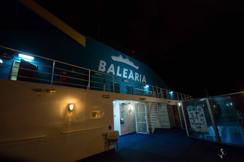 Balearia Fähre bei Nacht