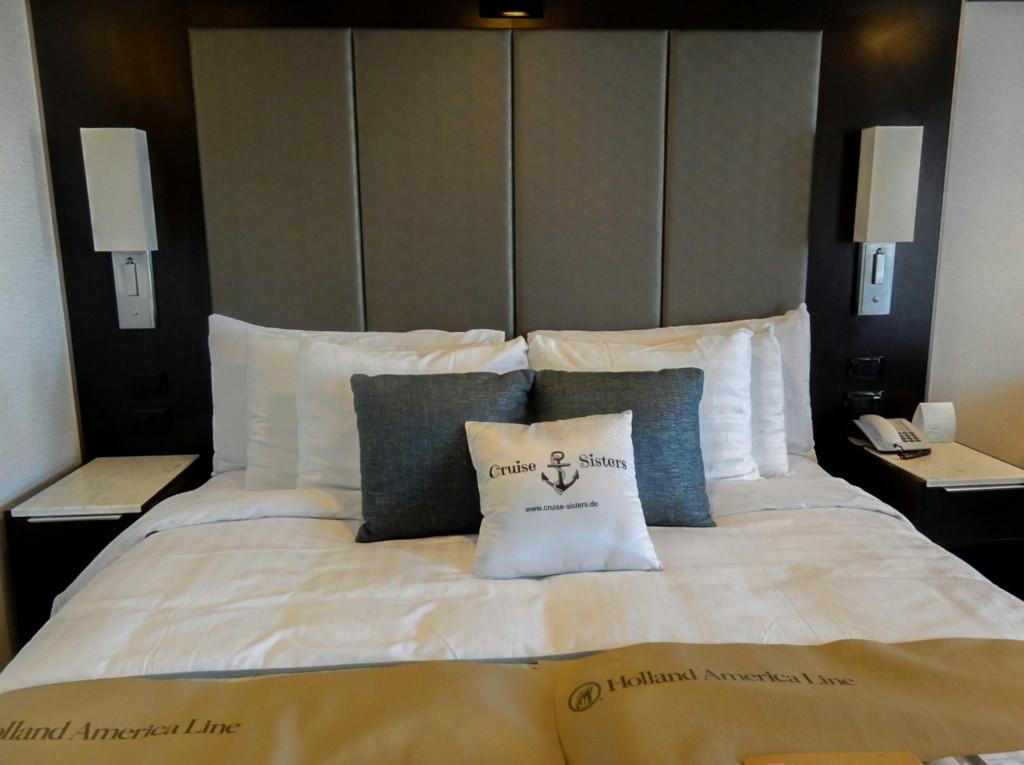Das Bett in der Signature Suite auf der Eurodam