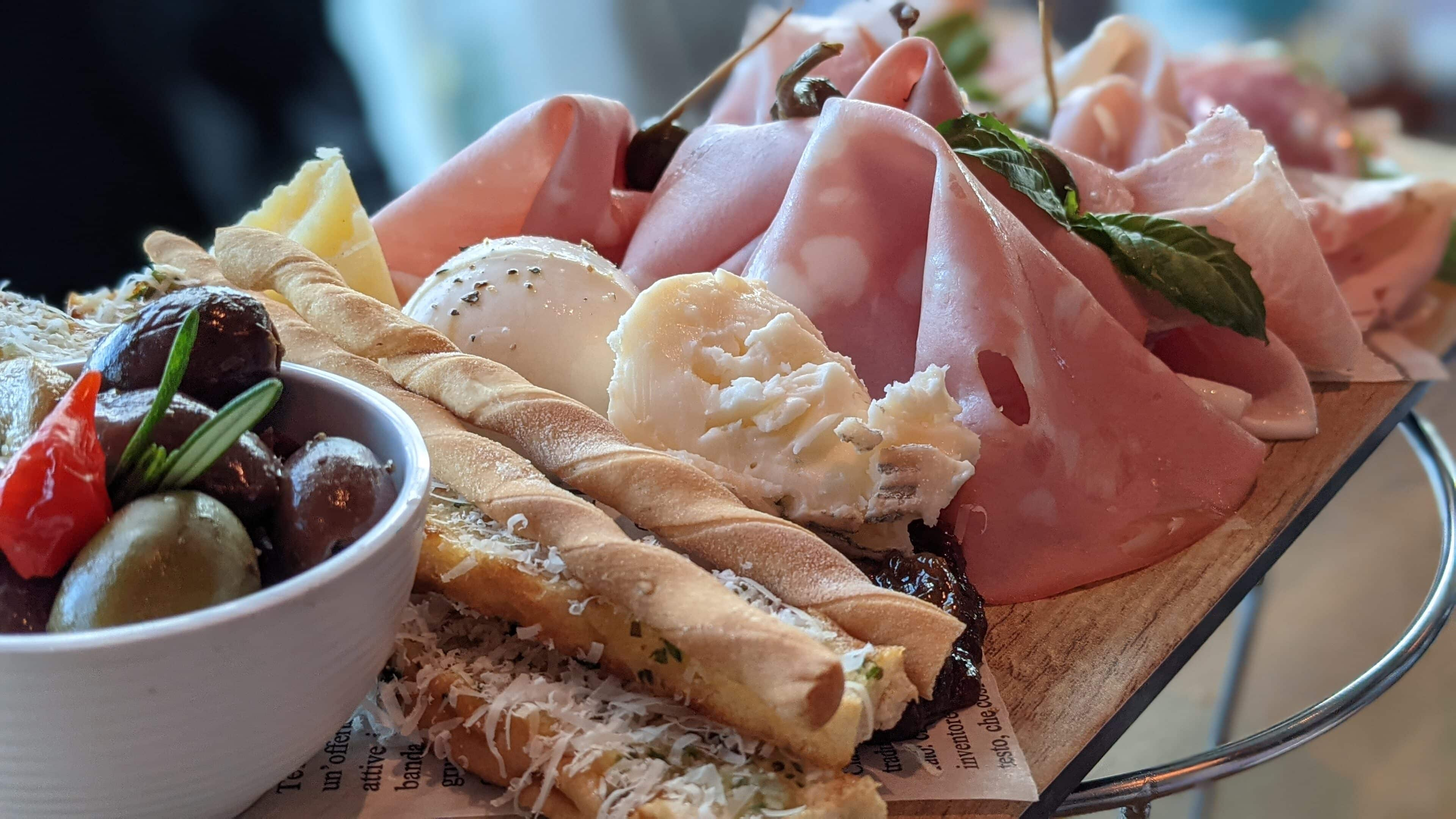 Giovanni's Meat & Cheese Platter