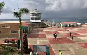First Cruise Ship Returns to St Maarten