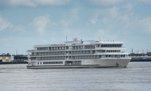 First Modern Riverboat in the U.S. Sets Sail from New Orleans