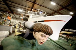 Carnival Cruise Line Builds Cruise Ship Float for Rose Parade
