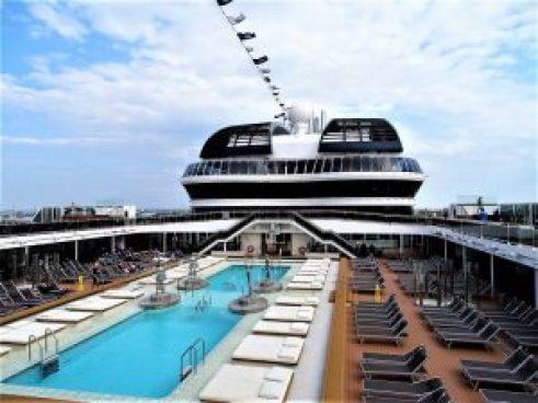 MSC-MERAVIGLIA-MSC-Yacht-Club-Restaurant-001-300x200 Porträt der MSC MERAVIGLIA