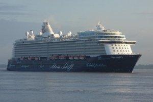 Mein Schiff 5 - Erstanlauf in Hamburg