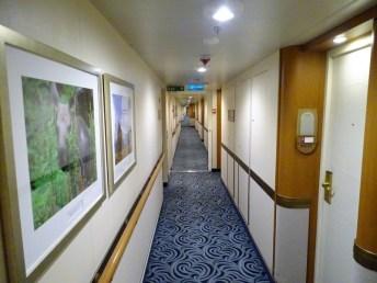 ROYAL-PRINCESS-Kabinengang-Deck-15-Marina-003-300x225 Foto-Wettbewerb – Bilder für die SKY PRINCESS gesucht