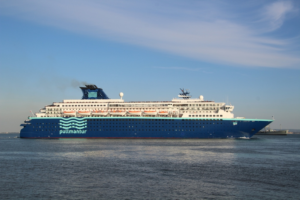 Photos: Pullmantur Zenith