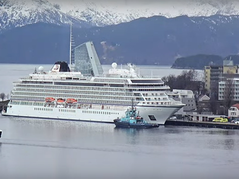 Viking Sky Arrives In Molde
