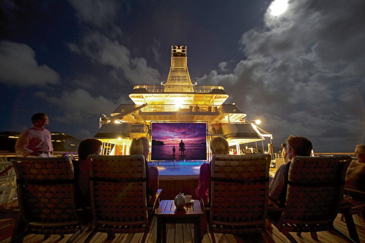 Se film under stjernerne med SeaDream Yacht Club med vores deluxe rederier