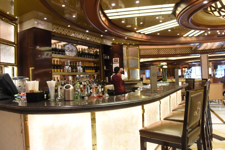 Royal Princess bar