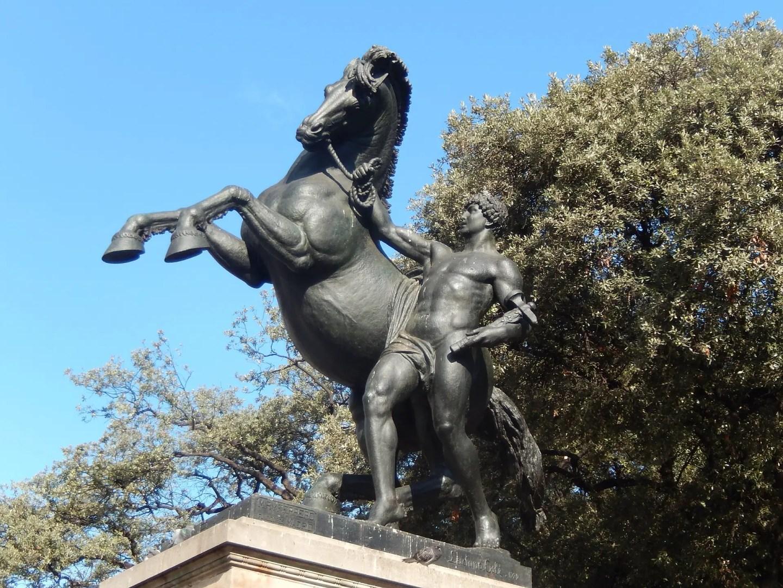 A statue in Plaça de Catalunya