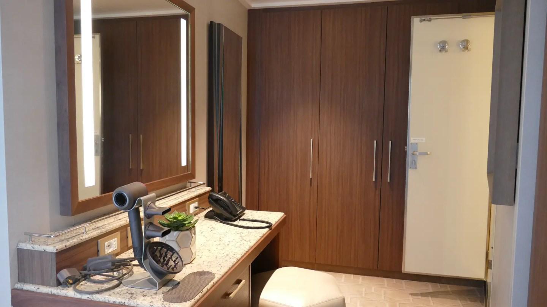 Master bedroom dressing room area Sky Suite