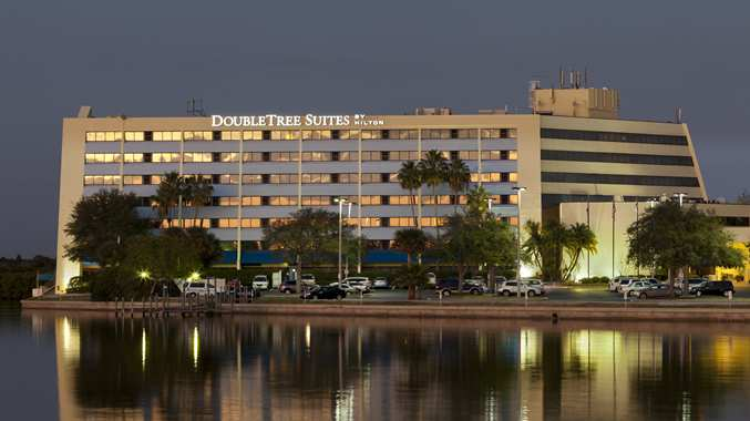 DoubleTree Suites by Hilton Tampa Bay is directly located on the waters of Tampa Bay