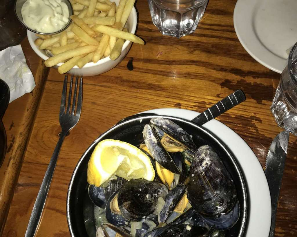 Mussels from Mussel and Steak Inn