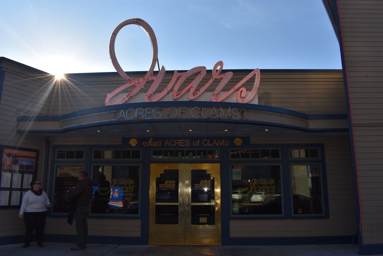 Ivars Acres of Clams on Pier 54