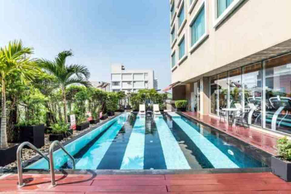 Novotel Bangkok Fenix Hotel