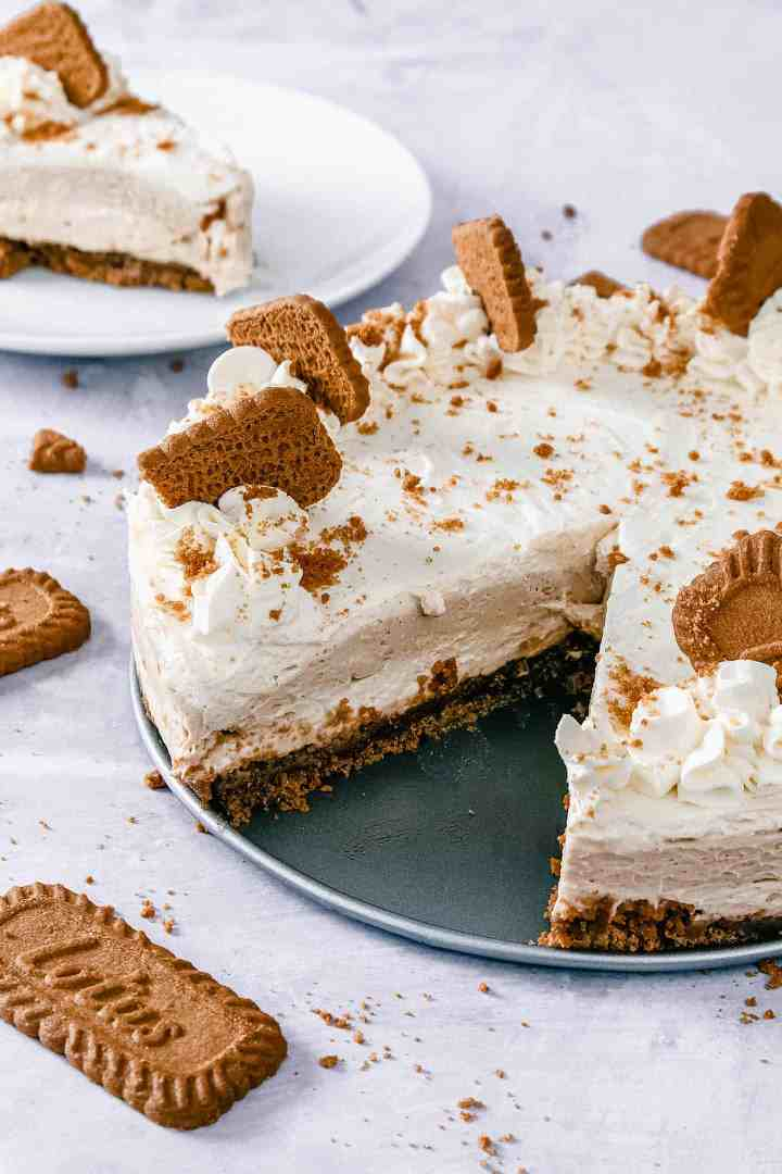 Biscoff cheesecake with a slice cut out