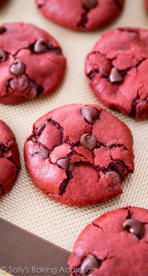 Red-Velvet-Chocolate-Chip-Cookie-Recipe