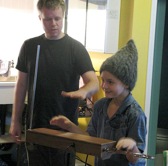 quinn-playing-theremin2