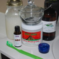 Make It Yourself: All Natural Homemade Toothpaste