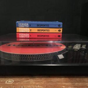 Les 3 tomes de Vernon Subutex par Virginie Despentes. Crédit Photo: Stéphaine Bernat
