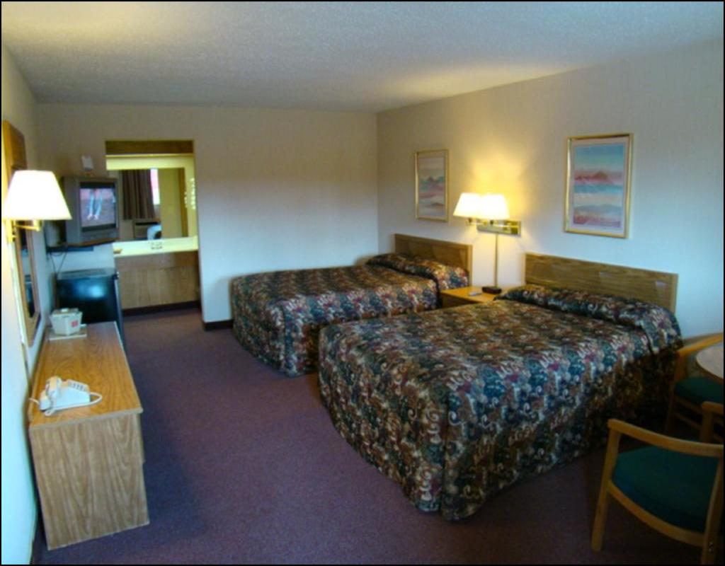 Red Carpet Inn Great Lakes