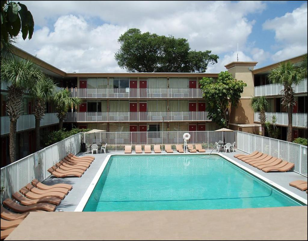 Red Carpet Inn Fort Lauderdale Florida