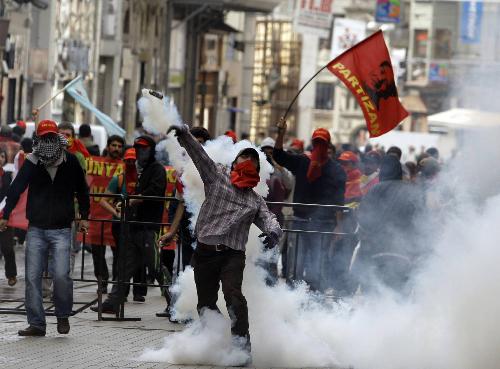 Protiv MMF u Istambulu