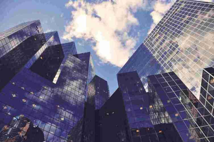 Uit een nieuw onderzoek blijkt dat ICO's die in 2017 een succesvolle sale hebben gehouden, het jaar erop weinig hebben gedaan om de beloftes waar te maken. Dit meldde Ernst & Young op 19 oktober - CryptoBenelux