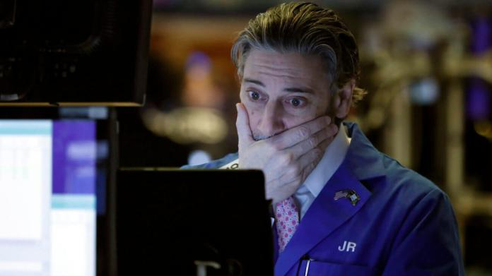 Dow Bleeds Lower Because Investors Distress the Economy Is 'Buckling'