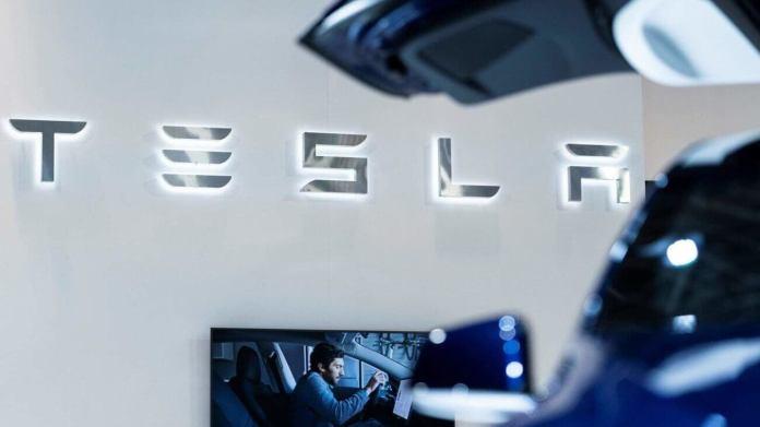 Tesla Stock Is Crashing