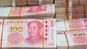 Escalating Bank Runs Spur Chinese Government to Require Approval for Large Cash Transactions