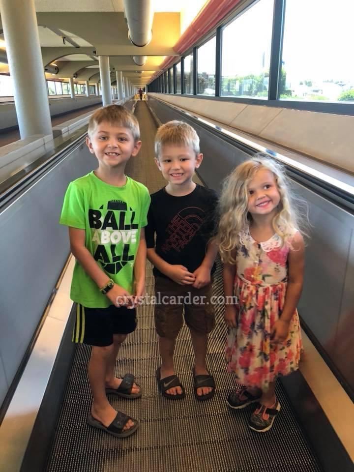 Pittsburgh international airport walkway