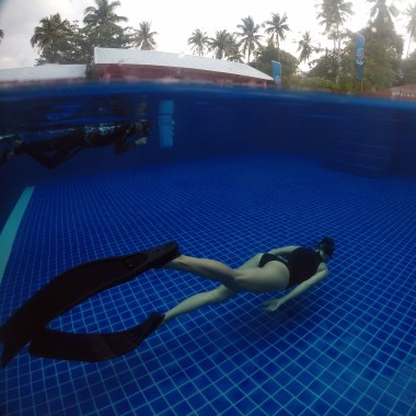 Freediving training in the pool