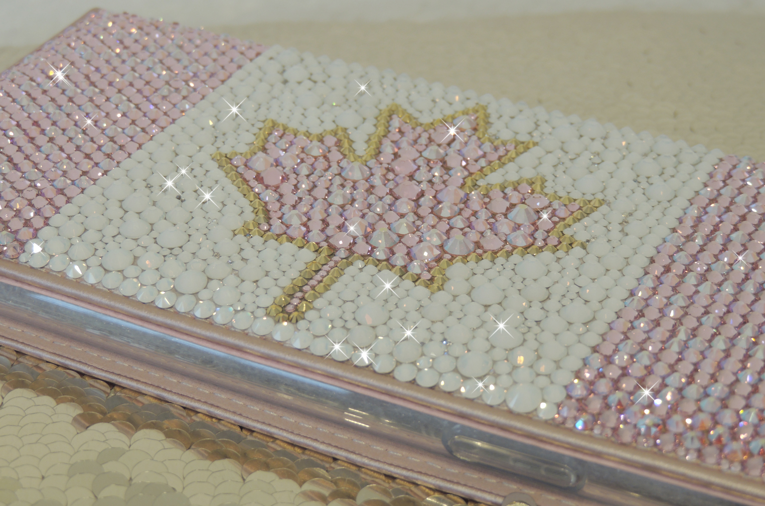 Cute baby pink and white Canadian Flag wallet case. Crystals by Swarovski ®