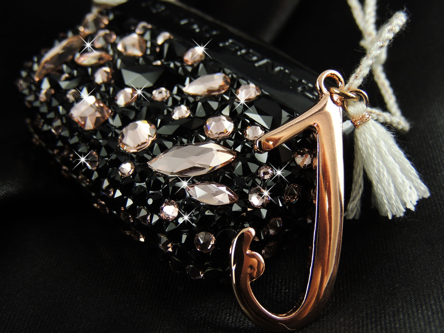 Rose gold and black crystal Range Rover Key Case. Crystals by Swarovski®