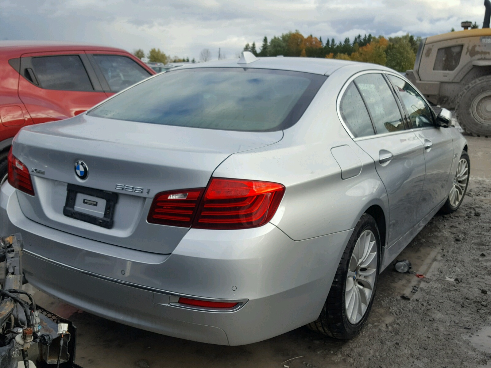 hight resolution of  wba5a7c55ed614526 2014 bmw 528 xi 2 0l rear view wba5a7c55ed614526