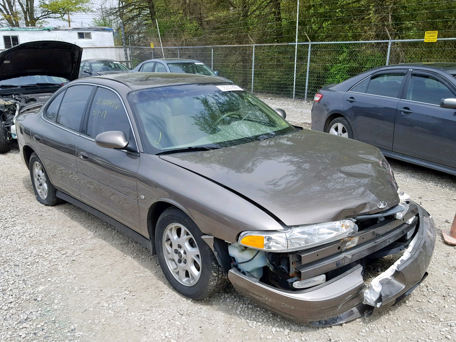 hight resolution of 1g3ws52h41f142435 2001 oldsmobile intrigue g 3 5l left view 1g3ws52h41f142435