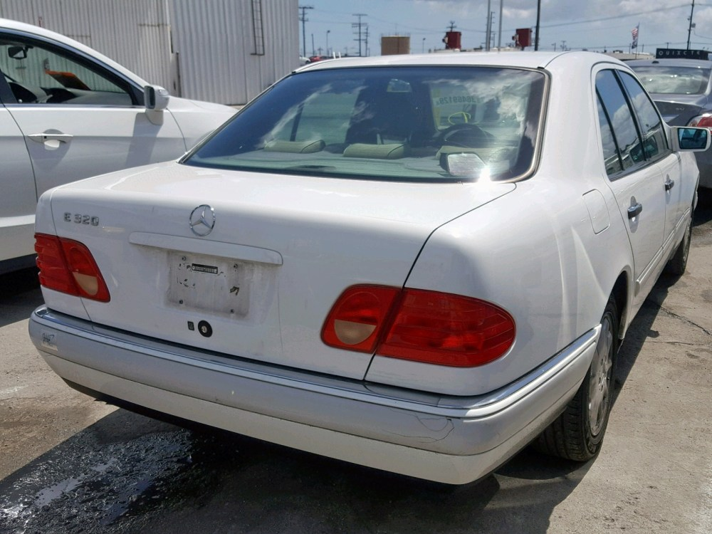 medium resolution of  wdbjf55f4va346730 1997 mercedes benz e 320 3 2l rear view wdbjf55f4va346730