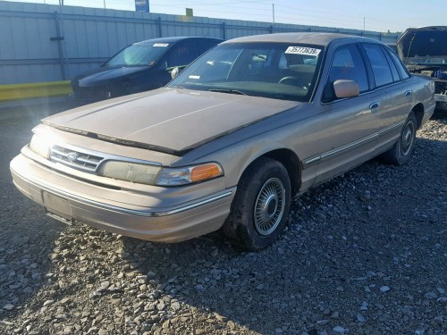 small resolution of  2falp73w9vx103045 1997 ford crown vict 4 6l right view 2falp73w9vx103045