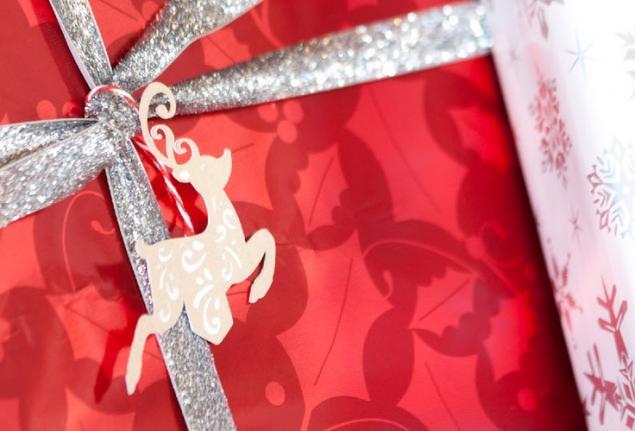 最终的条形码为新年礼物的设计,或标签播放的角色,第15版