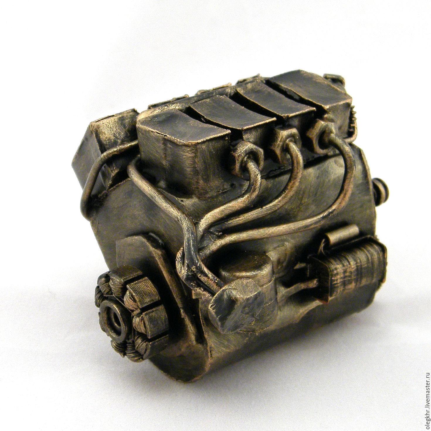 Buy Land Rover Mechanic on Livemaster online shop