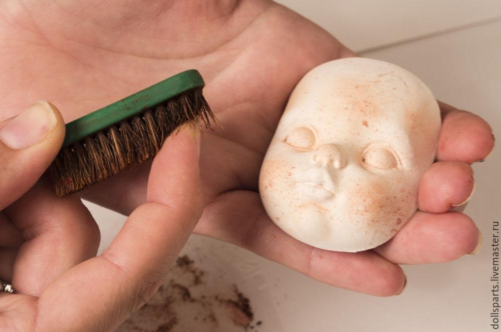 Clase magistral pintando la cara de una muñeca, foto número 6