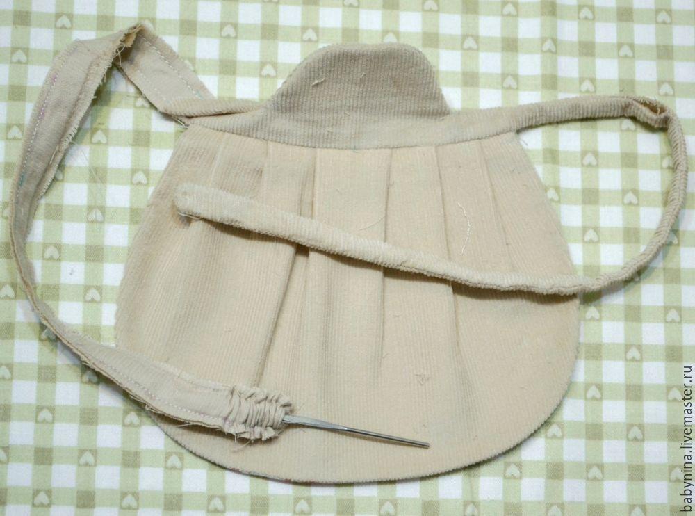 Cosemos un delantal limpio para una muñeca, foto No. 15