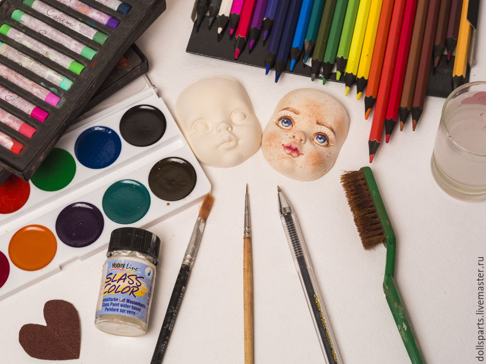 Clase magistral pintando la cara de una muñeca, foto número 1