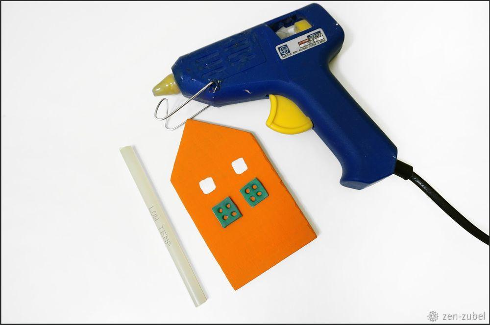 Создаём новогодние игрушки-подвески «Домики», фото № 24