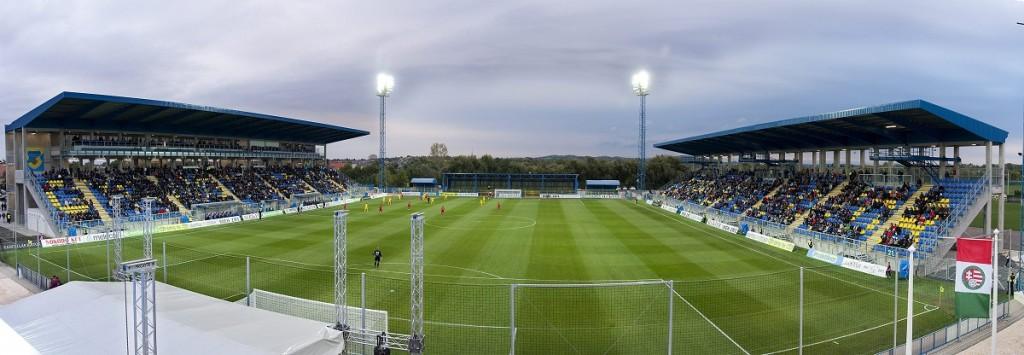 Mai tételmondatunk: ha nem lenne elég nyomorúságos a magyar foci, akkor gyorsan utazzunk százötven kilométert haza, és nézzük meg ott