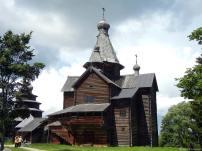 400 éves orosz templom faszerkezetből
