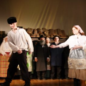 fiddler-on-the-roof-seton-catholic-central-high-school-theatre-performing-arts13