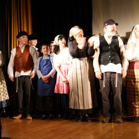 fiddler-on-the-roof-seton-catholic-central-high-school-theatre-performing-arts16