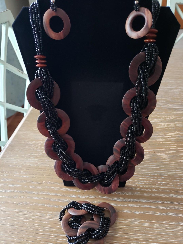 necklace 3 - Basket Raffle